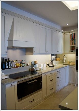 Cape- Town-Kitchens-Cupboards-Designers-Countertops-Islands
